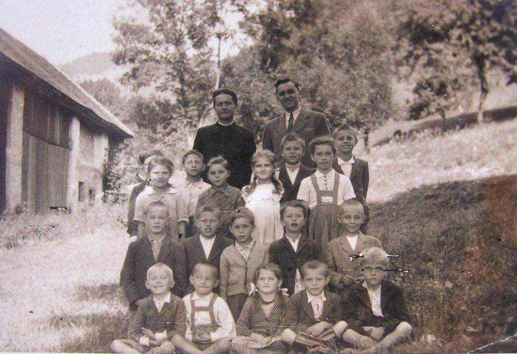 life in slovakia, slovak roots, slovakian blood, immigrants from slovakia, ancestors from czechoslovakia, ancestors from austria hungary, ellis island slovak ancestors, slovak pedigree, slovakia family