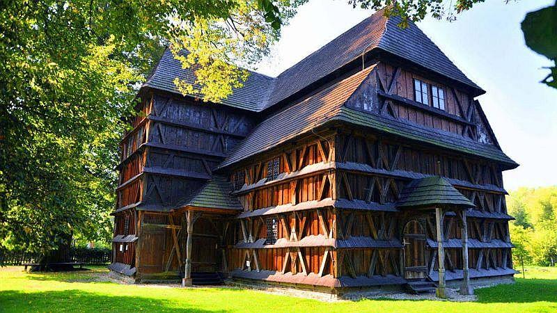 wooden church slovakia hronsek