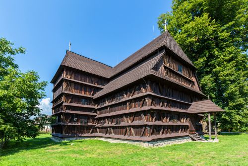 hronsek wooden church slovakia tour